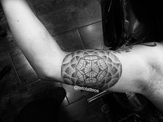 Mandala tattoo dotwork tattoo Done at ROCK CITY TATTOO SHOP By Tato Castro Tag your friends if you like this. Follow us!!!!! https://instagram.com/tatotattoos/