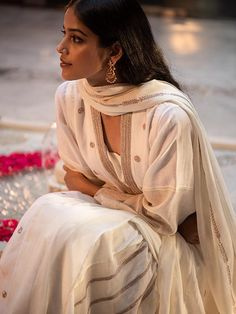 Good Earth – Stylish Sustainable Luxury Retail | Goodearth.in Designer Punjabi Suits, Indian Designer Wear, Shadi Dresses, Indian Dresses, Pakistani Outfits, Indian Outfits, Nida Azwer, Islamic Fashion, Traditional Clothes