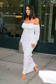 Kim Kardashian – Outside Her Apartment in NYC 05/01/2017