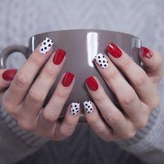 24 glitter gel nail designs for short nails for spring 2019 Dot Nail Art, Polka Dot Nails, Polka Dots, Red Dots, Glitter Gel Nails, Red Nails, Red And White Nails, Pastel Nails, Acrylic Nails