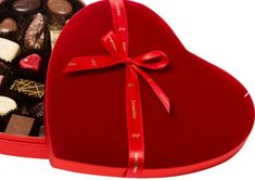 Czekoladki na rocznicę od firmy Leonidas to wyjątkowy podarunek. Pralinki są wykonane ze stuprocentowego masła kakaowego. Co więcej, dodatki to same wyselekcjonowane składniki takie jak migdały, walenckie pomarańcze, wiśnie Morello czy orzechy laskowe. Ted Baker, Tote Bag, Bags, Handbags, Totes, Bag, Tote Bags, Hand Bags