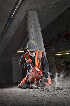 Construction photographer portfolio, images include construction sites, locations, workers and advertising photography Construction Business, Construction Design, Construction Worker, Construction Birthday, Man Photography, Photography Business, Creative Photography, Corporate Portrait, Environmental Portraits
