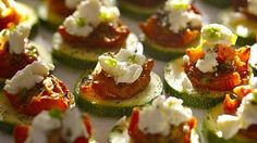 Crunchy Zucchini Rounds With Sun-Dried Tomatoes and Goat Cheese | Follow these simple instructions to make delicious and healthy zucchini rounds with sun-dried tomatoes and goat cheese for an easy appetizer.