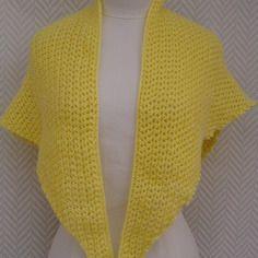 477f027dee91 Châle jaune , ou liseuse ou chèche tricoté aux aiguilles pièce unique