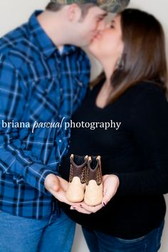 Maternity Photography, Baby Cowboy Boots, @Ashleigh {bee in our bonnet} {bee in our bonnet} Hancock  cute picture!!!