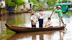 Schoolchildren on the Mekong Delta (Credit: Matt Munro)