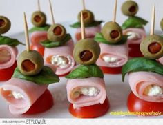 Party cones with canned ham - Recipe - Sma . Ham Recipes, Cooking Recipes, Canned Ham, Party Catering, All Fruits, Grazing Tables, Party Finger Foods, Snacks, Appetizers For Party