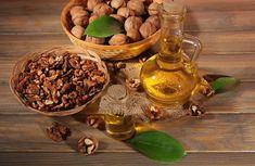 Estras prin tehnici de presare la rece, uleiul de nuca este probabil unul dintre cele mai scumpe uleiuri. Uleiul de nuca este bogat in acizi grasi omega-3 si omega-6, vitaminele B1, B2 si B3, vitamina E si niacina. Este bogat in fitonutrienti si este o sursa excelenta de seleniu, fosfor, magneziu, zinc, fier, potasiu si calciu. Mai contine melatonina, un hormon responsabil pentru reglementarea ceasului biologic al organismului. Ale, Stuffed Mushrooms, Vegetables, Natural, Food, Stuff Mushrooms, Ale Beer, Essen, Vegetable Recipes