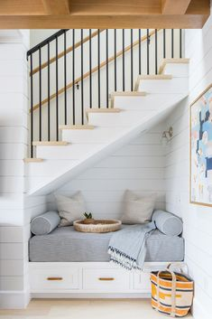 This inspiring beach-style cottage designed by Brooke Wagner Design is located in Newport Beach, California. Design Living Room, Living Room Decor, Living Room With Stairs, Living Room Nook, Beach Living Room, Decor Room, Bedroom Decor, Home Design, Interior Design