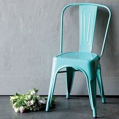 Our Charming Set Of 2 Aqua Metal Dining Chairs Are Just The Pop Color Youve Been Looking For More Retro Visit Antique Farmhouse