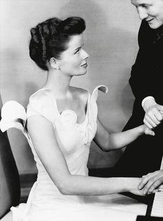 Katharine Hepburn - love the sculpted dress.
