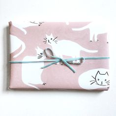"""by emily isabella. """"It's even more fun to give the cat wrapping paper to your friends who don't like cats. Wrapping Ideas, Wrapping Paper Design, Creative Gift Wrapping, Gift Wrapping Paper, Creative Gifts, Unique Gifts, Best Gifts, Brown Paper Packages, Christmas Gift Wrapping"""
