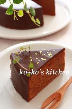 しっとり・・でもふんわり・・チョコが苦手な私もこれなら少しは食べれます。。グラサージュが何とも綺麗~