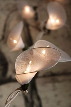 Calla Lily Lights 20 Nylon Flowers 10 Feet $16 set / 3 sets $15 each (end to end plug in)