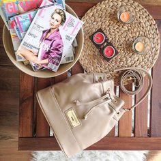#annamariapap #magazines #bag #style Michael Kors Hamilton, Louis Vuitton Speedy Bag, Magazines, Bags, Style, Fashion, Journals, Handbags, Swag