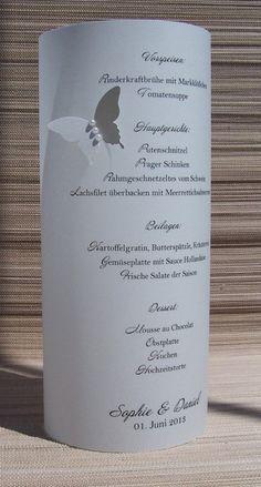 *Elegantes Windlicht aus festem Vellum mit edlem Schmetterling.*  Windlicht ist 21 cm hoch und aus festem Vellum (170g) gefertigt   -mit einem ...