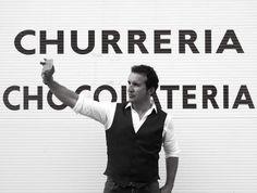 Entre churros y #postureos...no hay nada mejor que reirse de unos mismo #art #artist #contemporaryart $lifestyle #fashionist wwe.alvaro-pena.es www.alvaro-peña.es #regiondemurcia #pintormurciano  #artistamurcia #artista #Murcia #arte #selfie #alvaropena