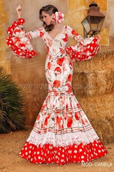 Quality Hmong Clothes, Bags, Jewelry, Hats and Care Simple Dresses, Cute Dresses, Beautiful Dresses, Flamenco Dancers, Flamenco Dresses, Gypsy Hair, Without Dress, Gypsy Women, Spanish Dancer