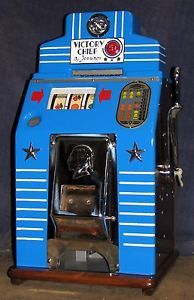 Jennings All Wood Victory Chief Antique Slot Machine 1942 Vintage Slot Machines, Gambling Machines, Bar Games, Jukebox, Victorious, Old School, Thrifting, Las Vegas, Arm