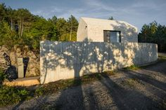 dekleva gregorič arhitekti completes compact karst house in slovenia David Chipperfield Architects, Best Architects, Minimal Home, Stone Houses, Contemporary Architecture, Eco Architecture, Traditional House, Facade, Home And Family