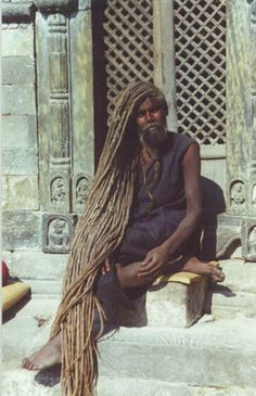 Ramblings of a Semi-Mad Man: Dude Has Got Some Serious Dreads! Sisterlocks, Locs, Natural Hair Styles, Short Hair Styles, Long Dreads, Dreadlock Hairstyles, People Of The World, Real People, Belle Photo
