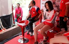 Gallery Cewek Seksi di Honda Dream Cup 2016 Medan - Kumpulan foto-foto cewek cantik di ajang gelaran Honda Dream Cup (HDC) Medan. Wanita seksi yang kerap hadir di ajang balapan ini