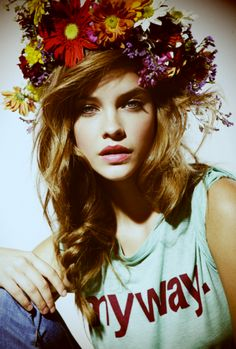 Flower crowns, love.