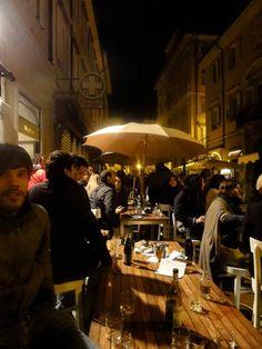 Trieste è patria di un vivere molto piacevole. Qui il Salumare, in Cavana.