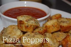 Cool and Easy Recipes For Teens to Make at Home - Pizza Poppers - Fun Snacks, Simple Breakfasts, Lunch Ideas, Dinner and Dessert Recipe Tutorials - Teenagers Love These Fun Foods that Are Quick, Healthy and Delicious Ideas for Meals http://diyprojectsforteens.com/diy-recipes-teens