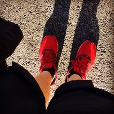This winter weather is ideal for shorts  and Nike Tavas #red #Nike