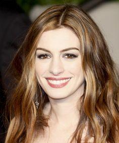 Anne Hathaway Long Wavy Hairstyle - Medium Brunette (Chestnut)