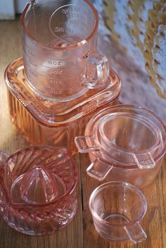 WANT: Depression glass measuring cups.
