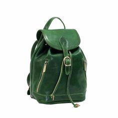 Rucsac piele naturala dama 5532G FRATELLI Rucsac din piele naturala vachetta , cu un compartiment inchis cu capac cu catarama , buzunar pe captuseala (sintetica tip maialino , rezistenta si lavabila ) , doua buzunare exterioare , curele de umar reglabile . Made in Italy . School Outfits, Fashion Backpack, Backpacks, School Clothing, Everyday School Outfits, Backpack, Backpacker, Backpacking