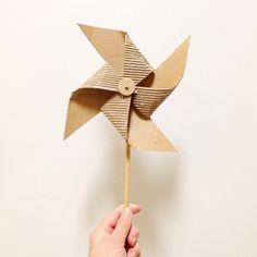Cardboard Pinwheel.                  Gloucestershire Resource Centre http://www.grcltd.org/scrapstore/