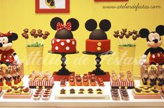 Minni y Mickey Mouse Mickey Mouse Birthday Theme, Mickey Mouse Party Favors, Twin Birthday Parties, Mickey Mouse Parties, Mickey Party, 3rd Birthday, Mickey Mouse Desserts, Mickey E Minnie Mouse, Minnie Mouse Clubhouse