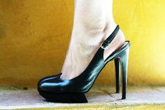 black shoes www.ireneccloset.com