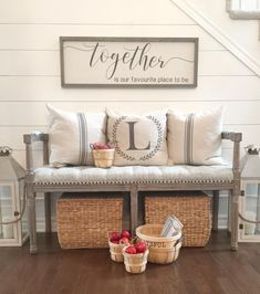 15 simple ways to get the farmhouse look - Willow Bloom Home This post shares 15 simple ways to get the farmhouse look, from quick additions, to easy DIY projects, to key investment pieces. Home Decor Baskets, Bench Decor, Wall Decor, Foyer Decorating, Interior Decorating, Decorating Ideas, Interior Design, Foyer Bench, White Shiplap