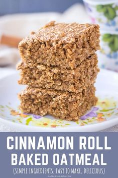 This Cinnamon Roll Baked Oatmeal is filling, sweet, and full of wonderful seasonal flavors. It smells fantastic and tastes absolutely DELICIOUS! It's a perfect wholesome breakfast option packed with nutrients. + It's ridiculously easy to make with only pantry ingredients. ------- #oats #oatmeal #bakedoatmeal #cinnamon #cinnamonroll #breakfast #recipe #easy #healthy #familybreakfast #dessert #glutenfree Cheesecake Oreo, Cheesecake Recipes, Cheesecake Strawberries, Strawberry Desserts, Easy Gluten Free Desserts, Easy Desserts, Delicious Desserts, Tart Recipes, Baking Recipes