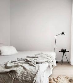 Minimal and chique home - via Coco Lapine Design #minimalist