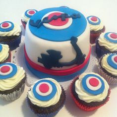 Vespa cake and cupcakes