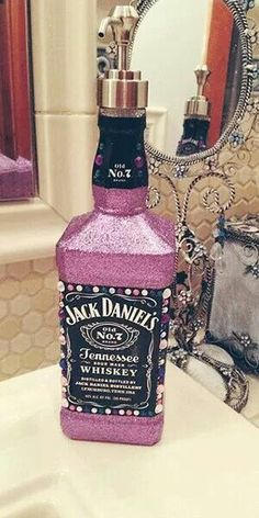 DIY Jack Daniels Soap Dispenser--I loove this! Just a lot of soap Jack Daniels Soap Dispenser, Jack Daniels Bottle, Crafty Craft, Crafting, Do It Yourself Baby, Liquor Bottles, Reuse Bottles, Alcohol Bottles, Alcohol Bottle Crafts