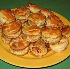 Négylapos káposztás pogácsa -- Mindmegette.hu Muffin, Breakfast, Food, Hungarian Recipes, Morning Coffee, Eten, Cupcakes, Muffins, Meals