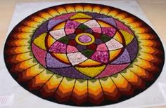 Onam Pookalam Design, Rangoli Colours, Rangoli Designs Diwali, Barn Quilts, Paintings, Colors, Flowers, Ideas, Decor