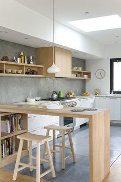 25 suprising small kitchen design ideas and decor 2 Home Decor Kitchen, Kitchen Decor Themes, New Kitchen, Home Kitchens, Kitchen Dining, Modern Kitchen Design, Interior Design Kitchen, Küchen Design, Design Ideas