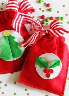 Easy Reusable Felt Gift Bags #MichaelsMakers | Positively Splendid {Crafts, Sewing, Recipes and Home Decor}