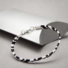 Idee fai da te :: Il braccialetto dell'amicizia e la moda a righe