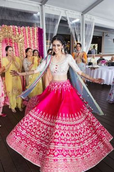 Picture from Karen & Sunny Photo Gallery on WedMeGood. Browse more such photos & get inspiration for your wedding Indian Bridal Outfits, Indian Bridal Wear, Indian Designer Outfits, Indian Wear, Indian Gowns Dresses, Pakistani Dresses, Bridal Dresses, Bollywood Lehenga, Indian Lehenga