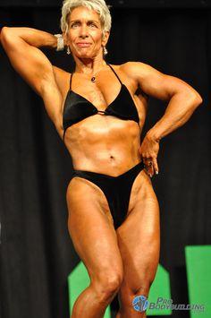 naken german kvinnliga kroppsbyggare