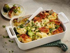 Kahden kaalin gratiini | Uuniruoat | Yhteishyvä Finnish Recipes, Cauliflower Recipes, Tex Mex, Bon Appetit, Smoothie, Good Food, Baking, Vegetables, Eat