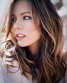 What do people think of Kate Beckinsale? See opinions and rankings about Kate Beckinsale across various lists and topics. Mechas Tiger Eye, Kate Beckinsale Hair, New Hair, Your Hair, Corte Y Color, Great Hair, Hair Dos, Gorgeous Hair, Pretty Hairstyles